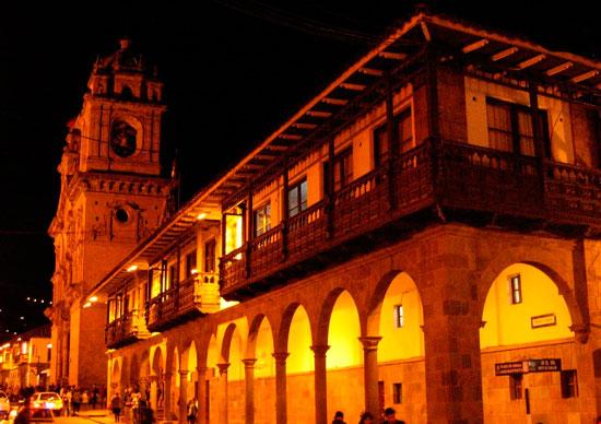 Cusco night Portal Mantas